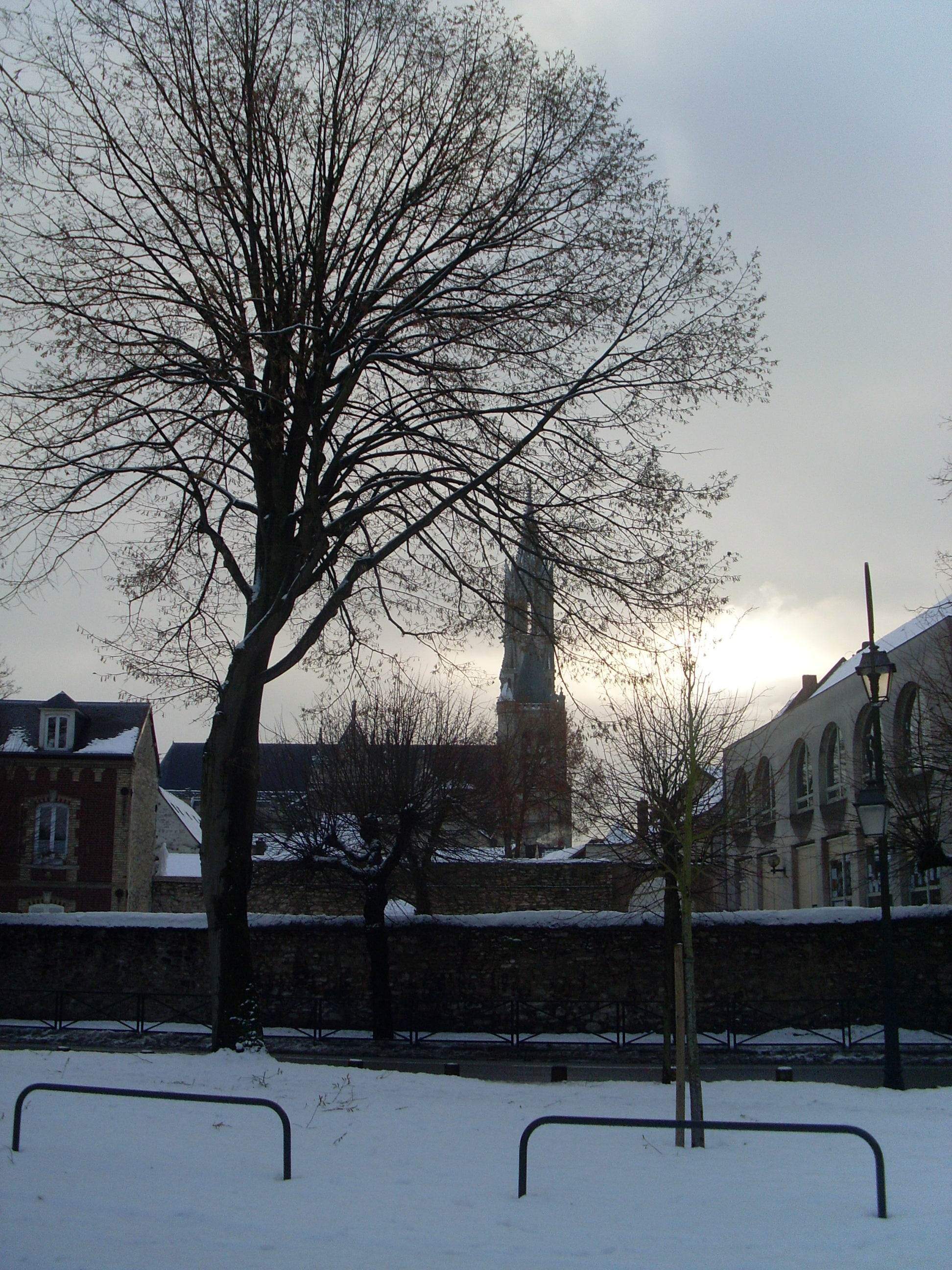 Snow in Senlis