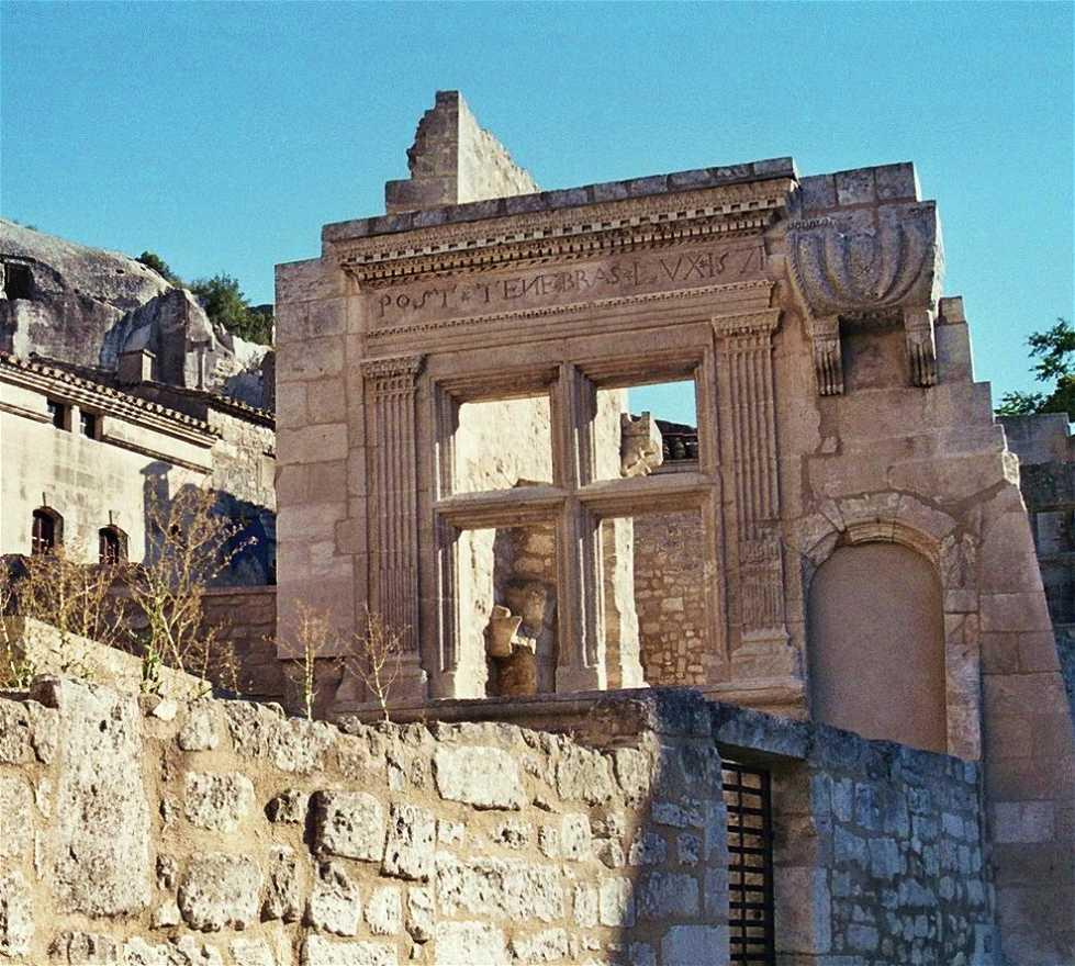 Historia antigua en Post Tenebras lux