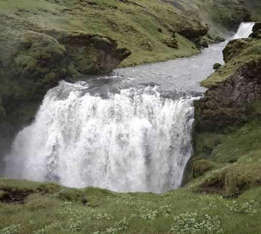 Masa de agua en Río Skogar