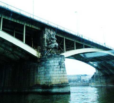 Puente viga en Paseo por el Danubio