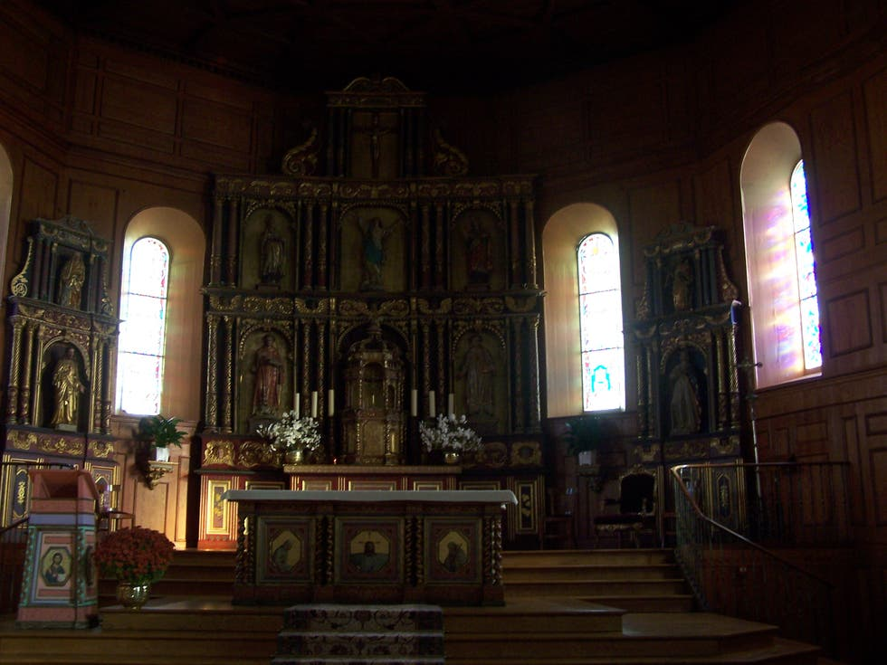 Mobile a Chiesa Notre Dame dell'Assomption