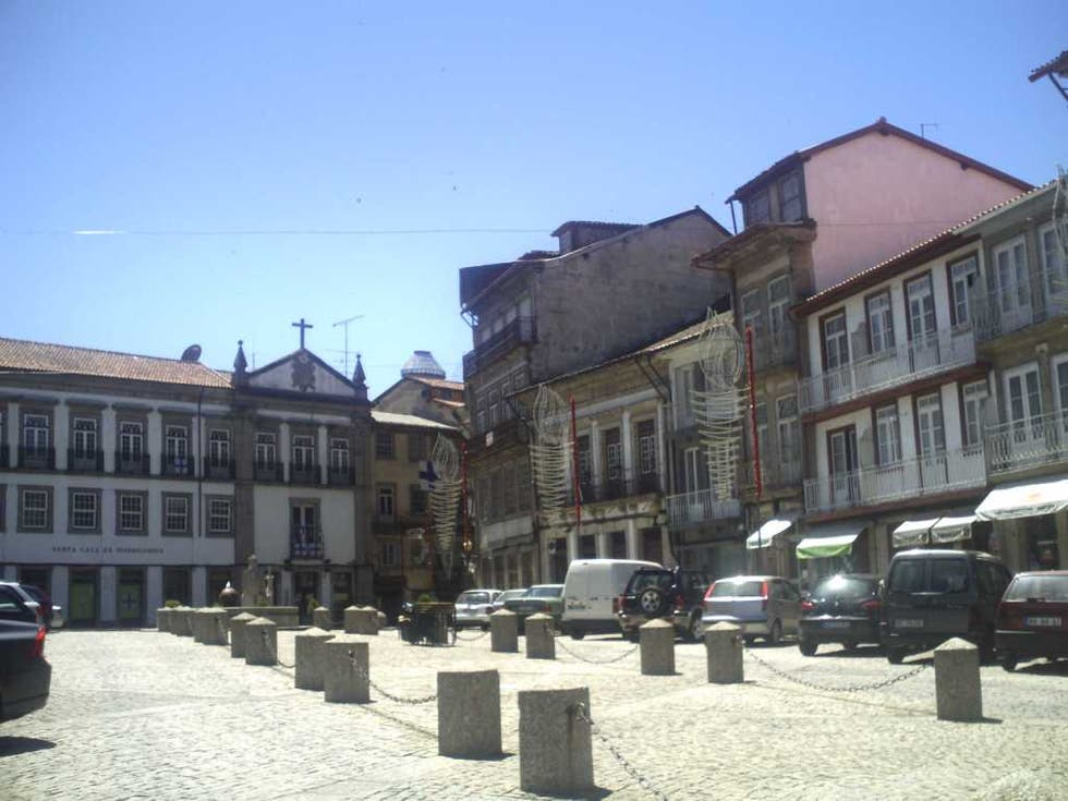 Pueblo en Largo da Misericordia