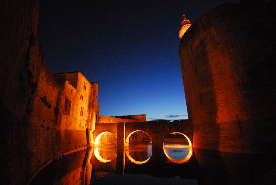 Darkness in Aigues-Mortes