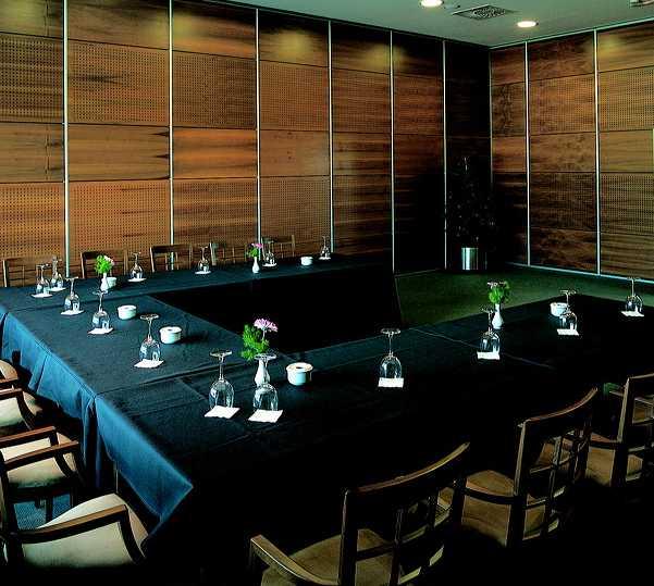 Sala de billar en Apartamentos Gran Lakua