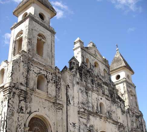 Fachada en Iglesia de Guadalupe