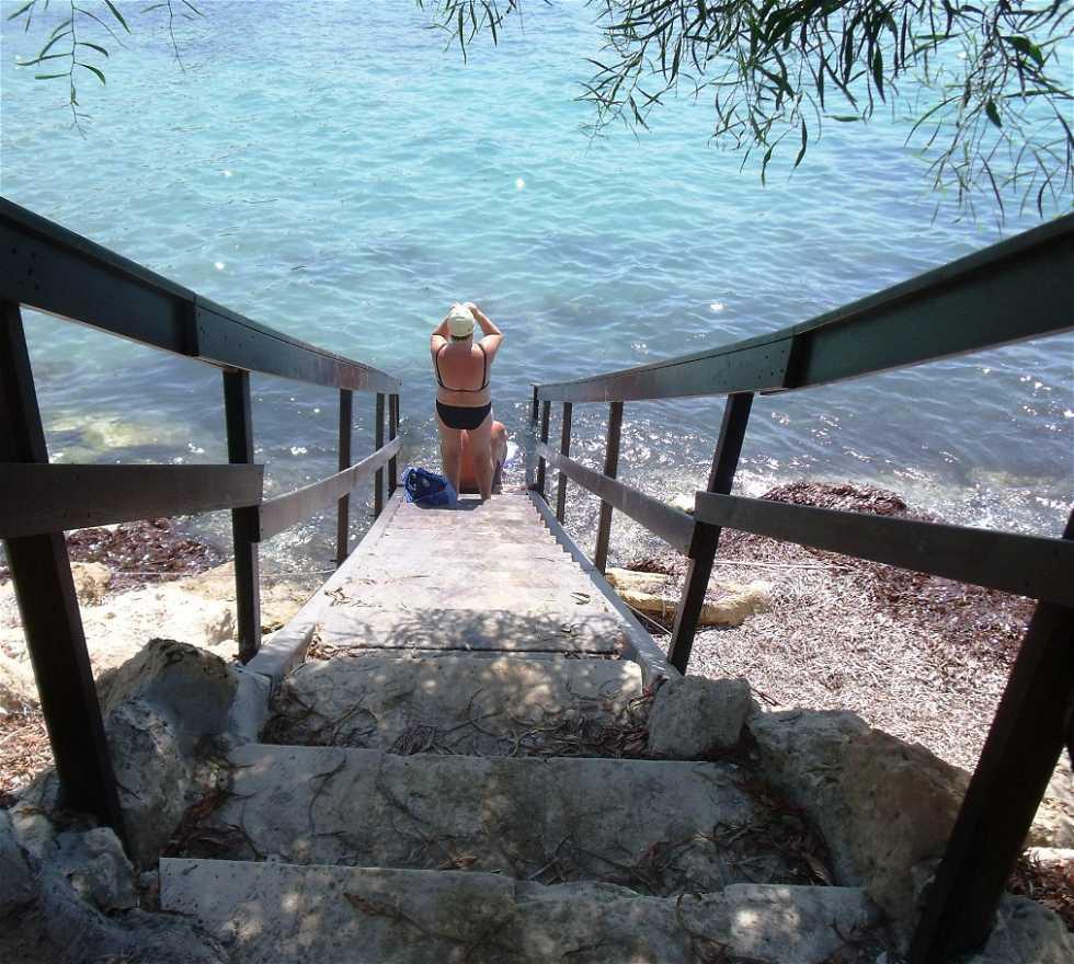 Mueble en Coral bay beach