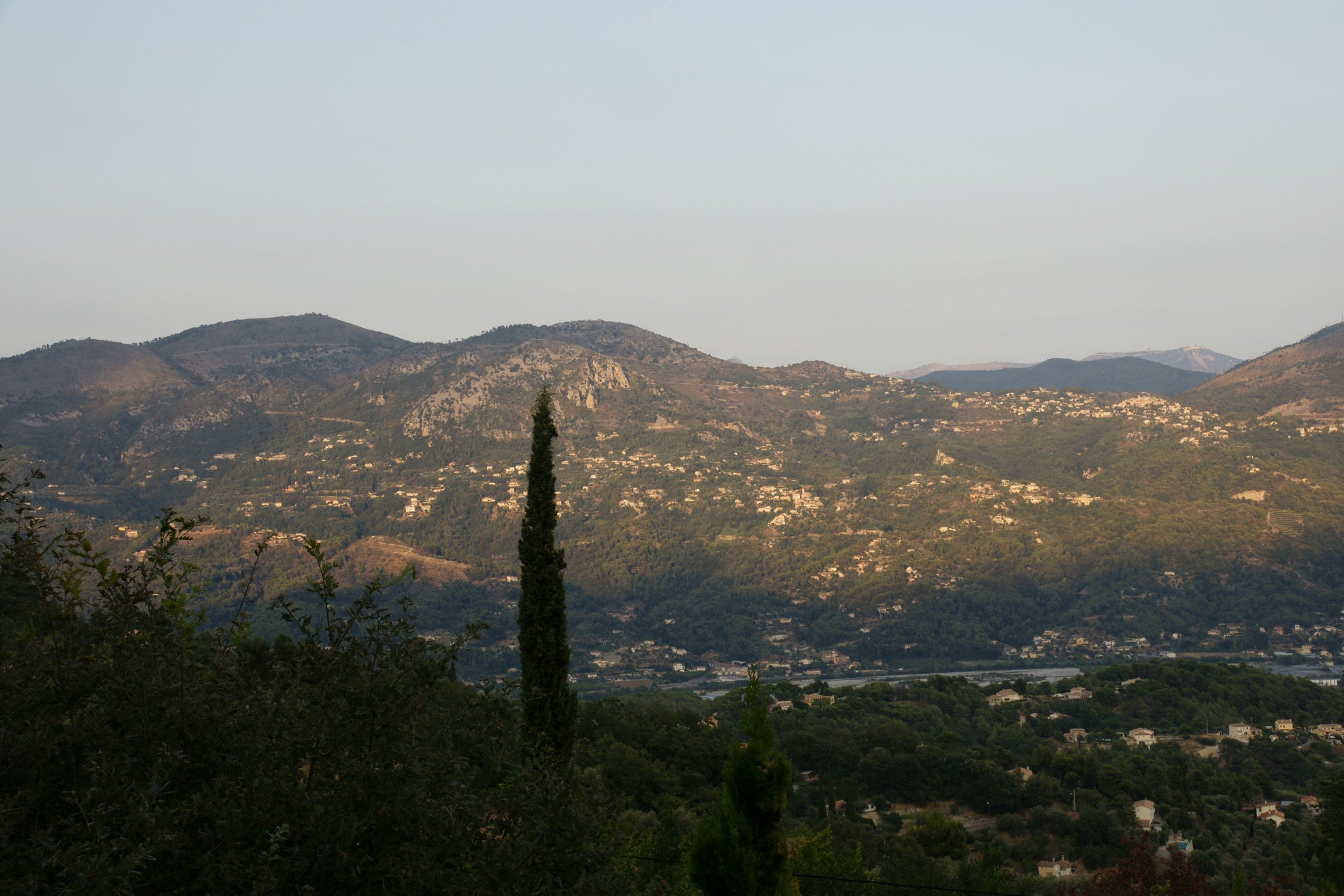 Hill in Carros
