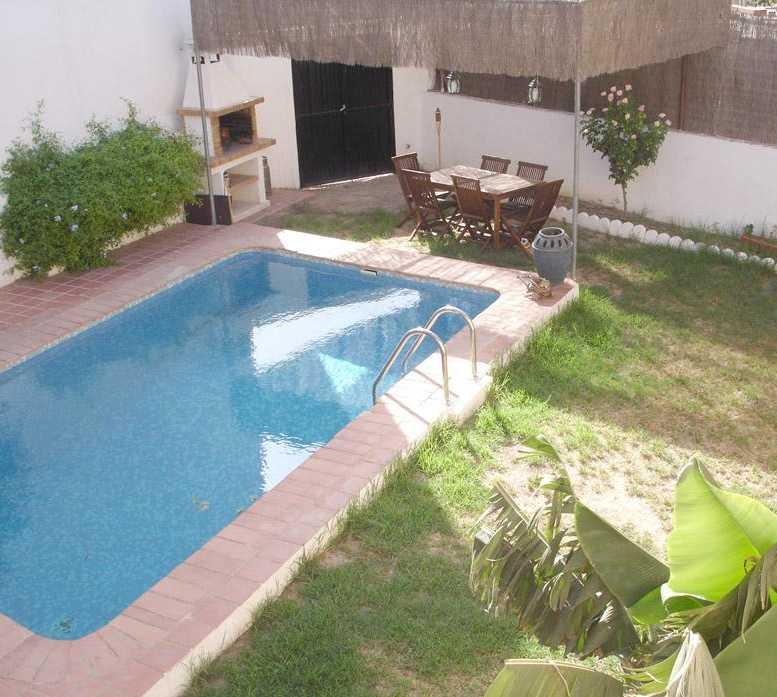 Fotos de piscina en cuevas del almanzora almeria chalet for Piscina privada