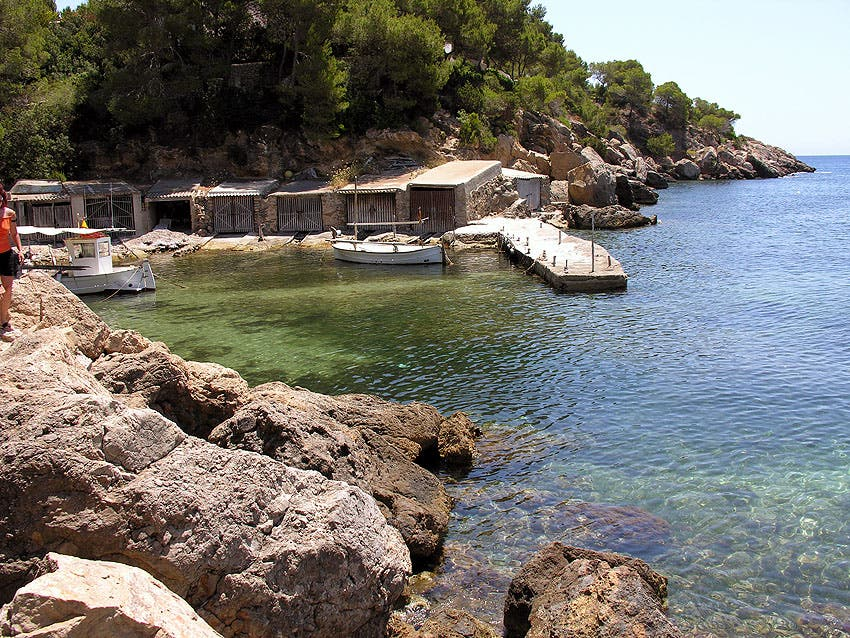 Shore in Cala Xarraca