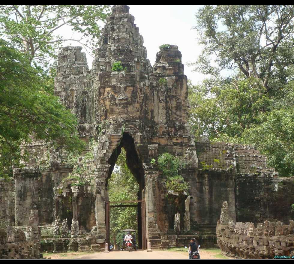 Abadía en Puerta Sur de Angkor Thom