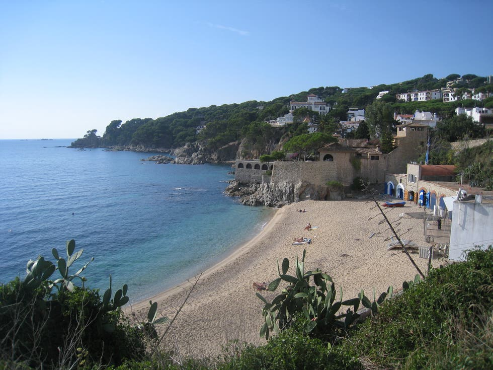 Photos de vacances apartamentos finques port calella - Calella de palafrugell office tourisme ...