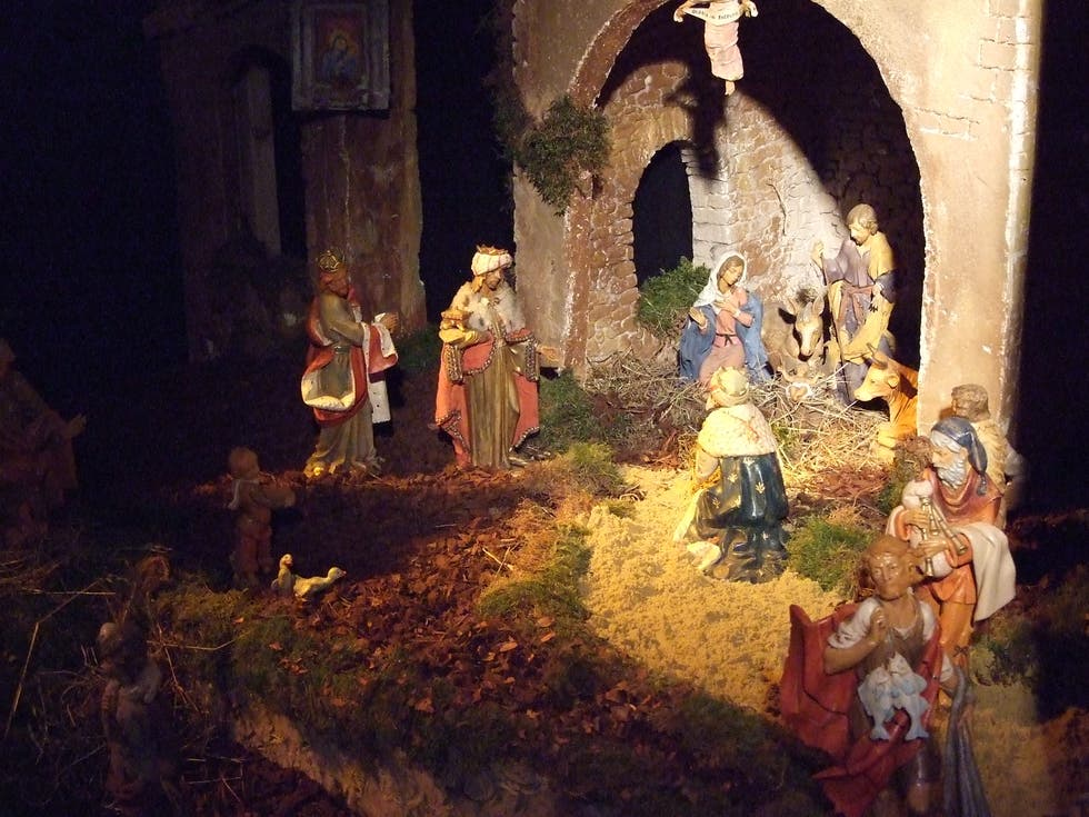 Pittura a Exhibition of Nativity scenes in theTau Palace