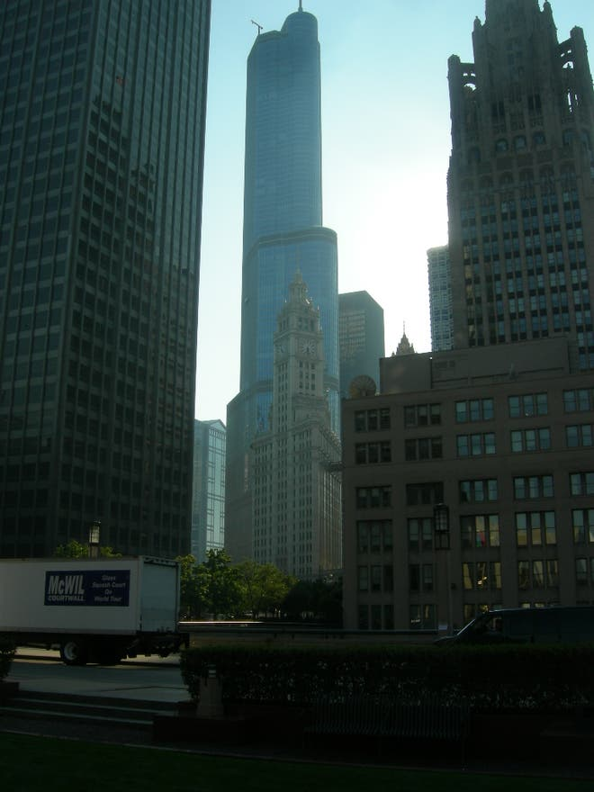 Anochecer en Trump International Hotel and Tower Chicago