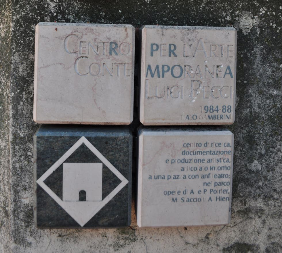Cartel de la calle en Centro per l'Arte Contemporanea Luigi Pecci