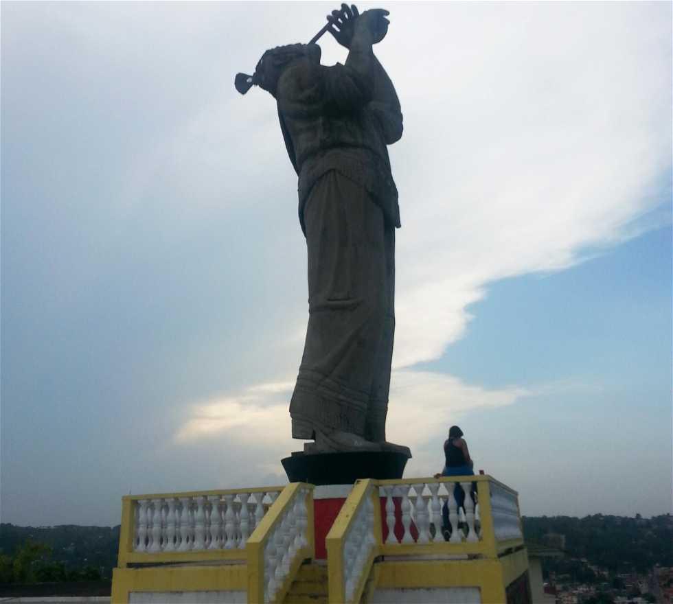 Estatua en Monumento al Volador