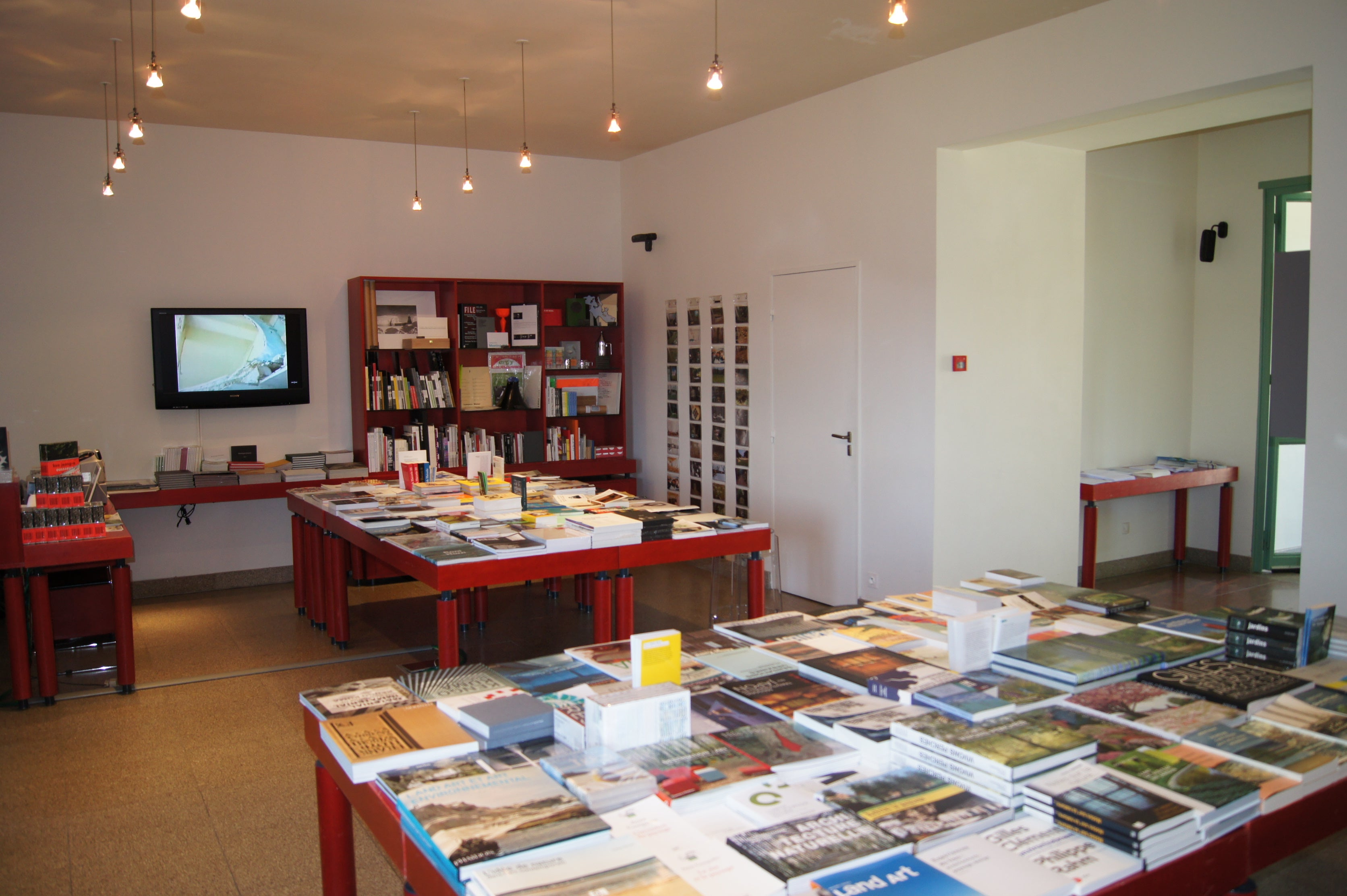 bookselling in Beaumont-du-Lac