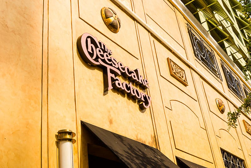 Amarillo en The Cheesecake Factory