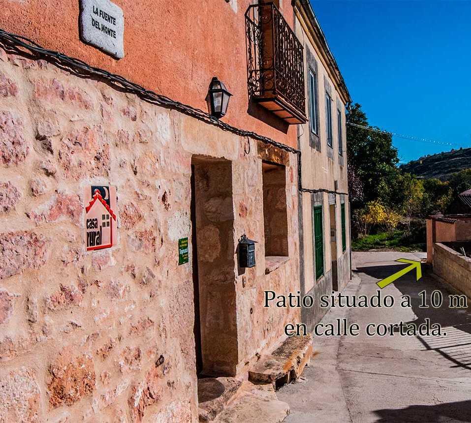Rojo en Casa Rural La Fuente Del Monte