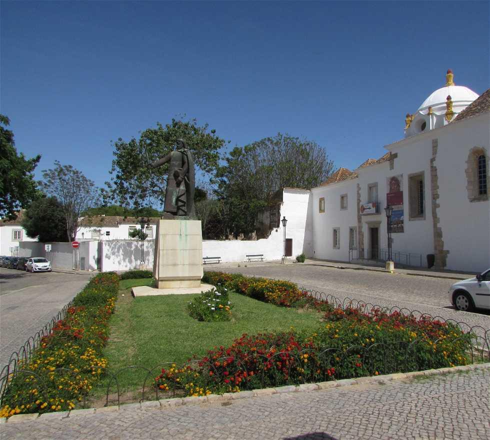 Finca en Praça D. Afonso III