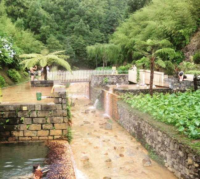Fotografie di piscinas termales po a da dona beija en for Piscinas termales