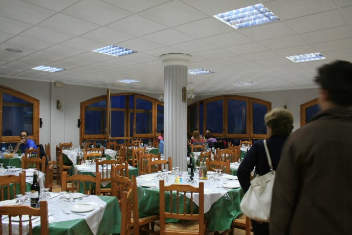 Restaurant in Puertomingalvo