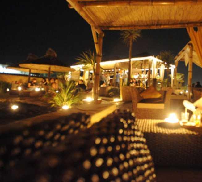Resort en Sunset Café