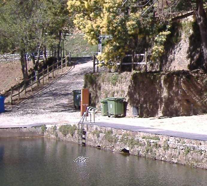 Río en Piscinas naturales de Louçainha