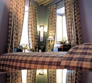 Fotos de candelabro en casa howard guest house rome roma for Casa fabbrini guest mansion roma