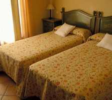 suite room in Solanillos del Extremo