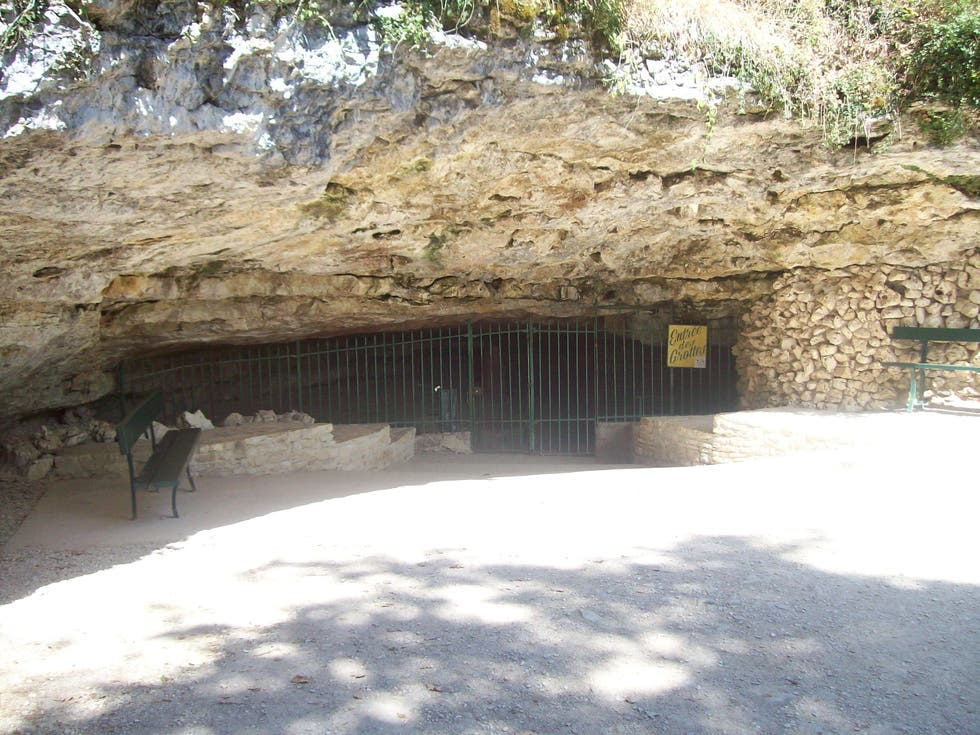 Air Raid Shelter in Arcy-sur-Cure