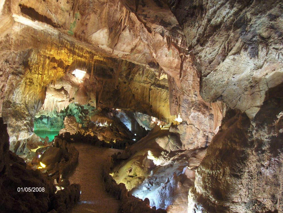 Pit Cave in Centro