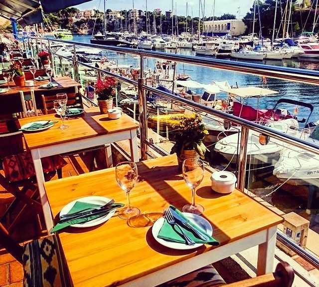 Barca en Quince restaurante y cantina