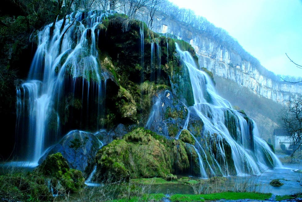 Waterfall in Baume-les-Messieurs