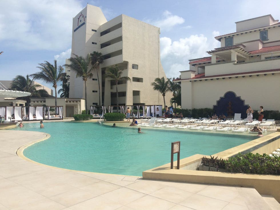 Piscina en Grand Park Royal Cancun Caribe - All Inclusive