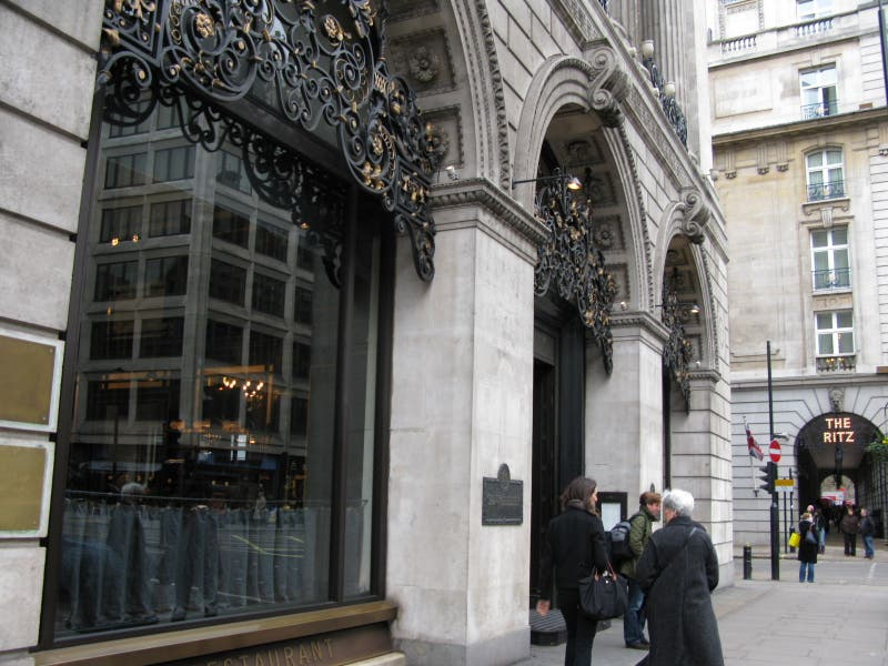 Estatua en Restaurante The Wolseley