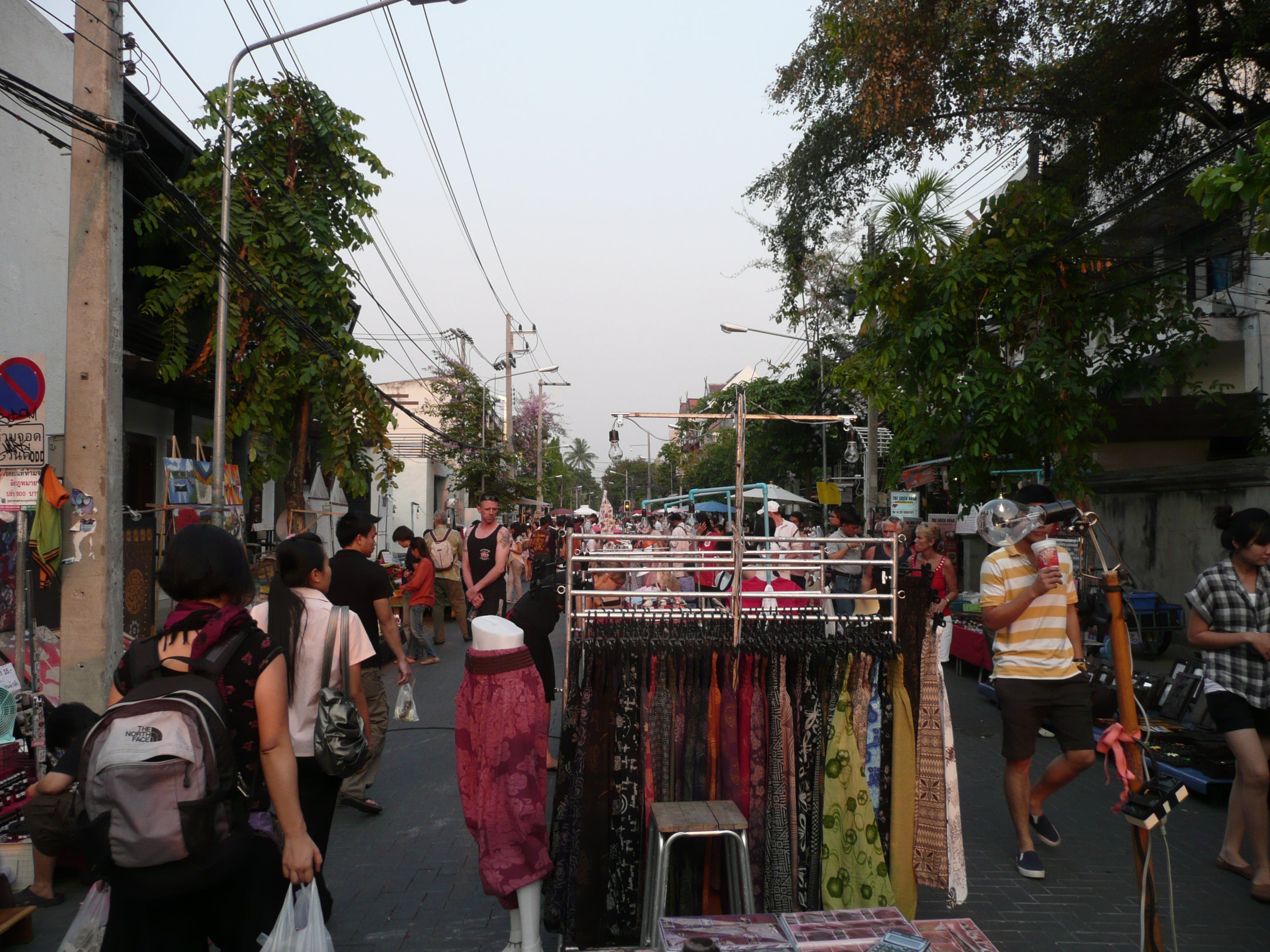 Calle en Sunday Night Market