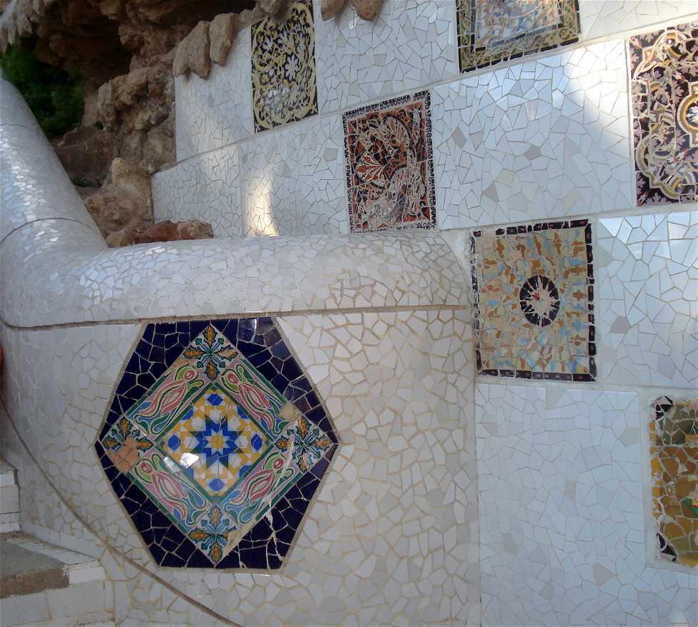 Azulejo en Obras de Antoni Gaudi