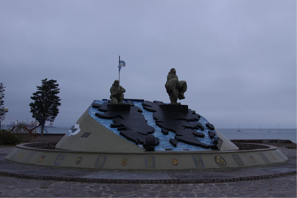 Statue in Puerto Madryn