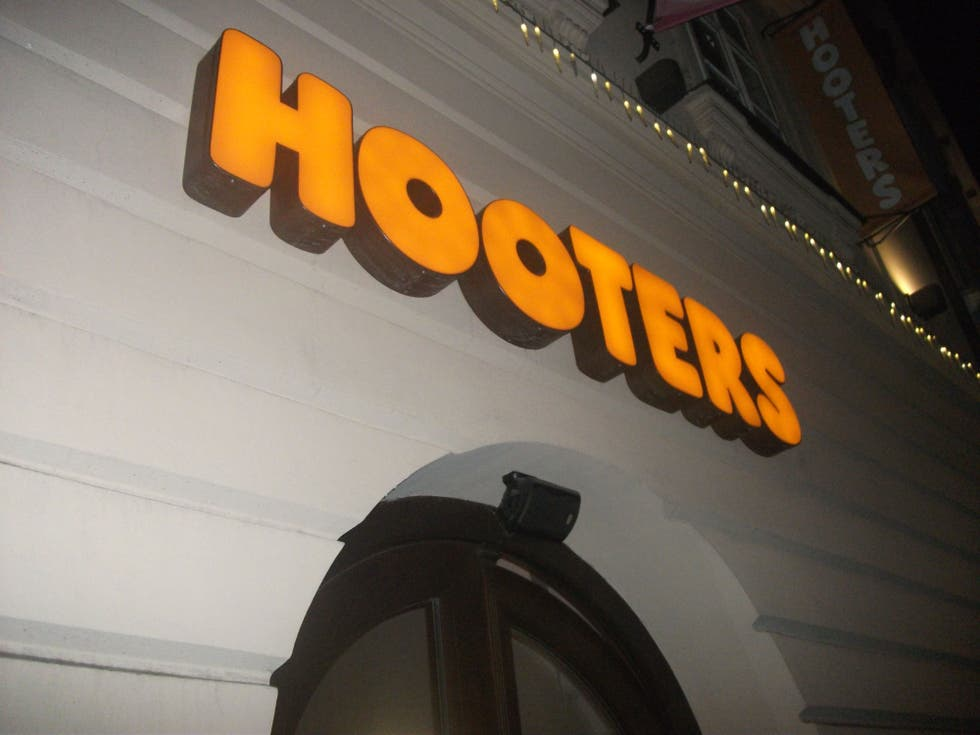 Amarillo en Hooters