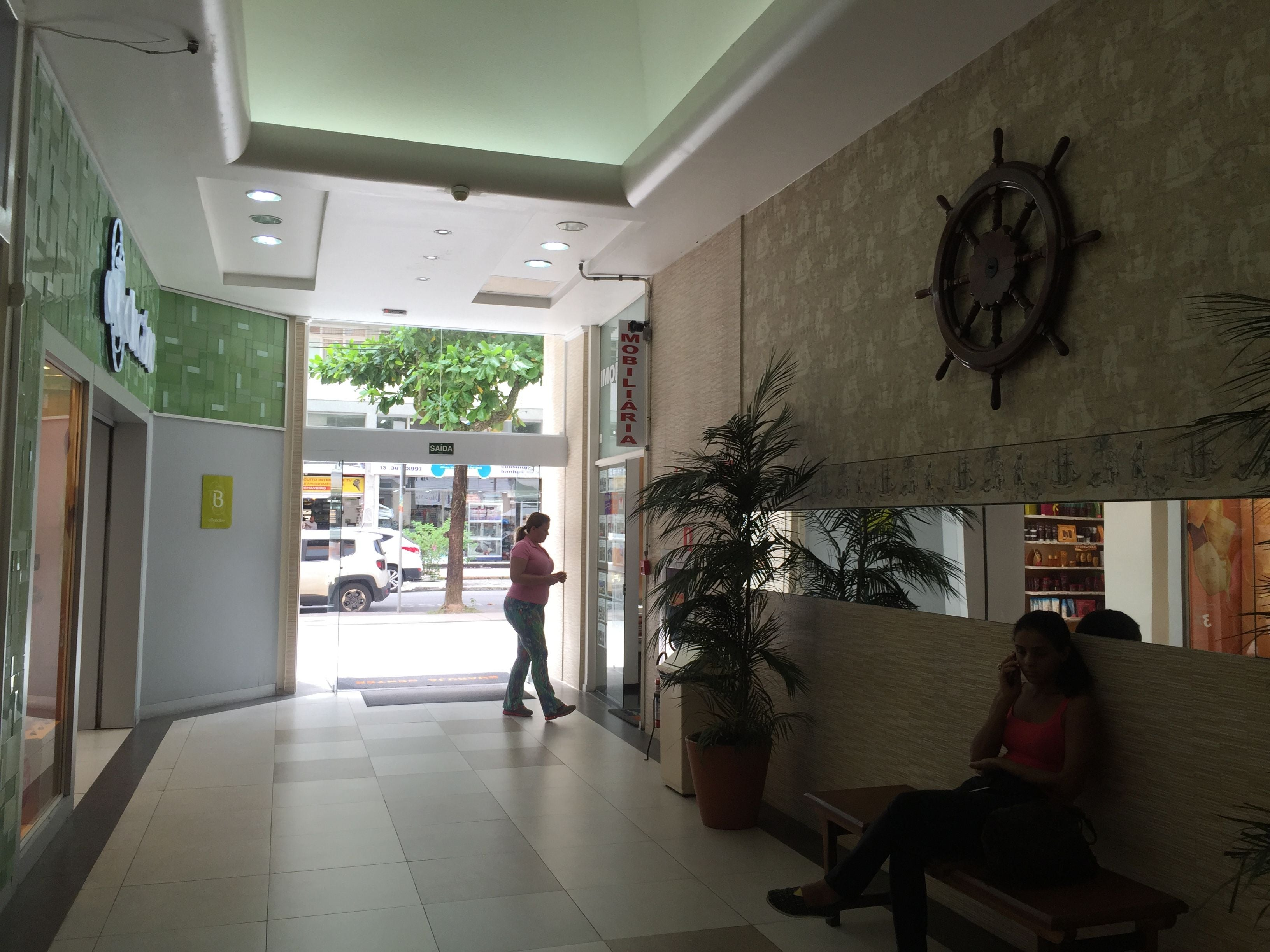 Room in Guarujá Center Shopping