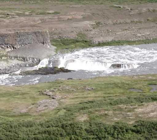 Manantial en Cascada Rettarfoss