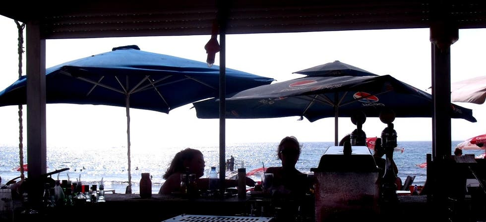 Sombrilla en LightHouse beach snack-bar