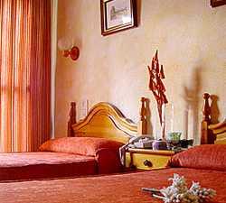 Color naranja en Hotel Yeste