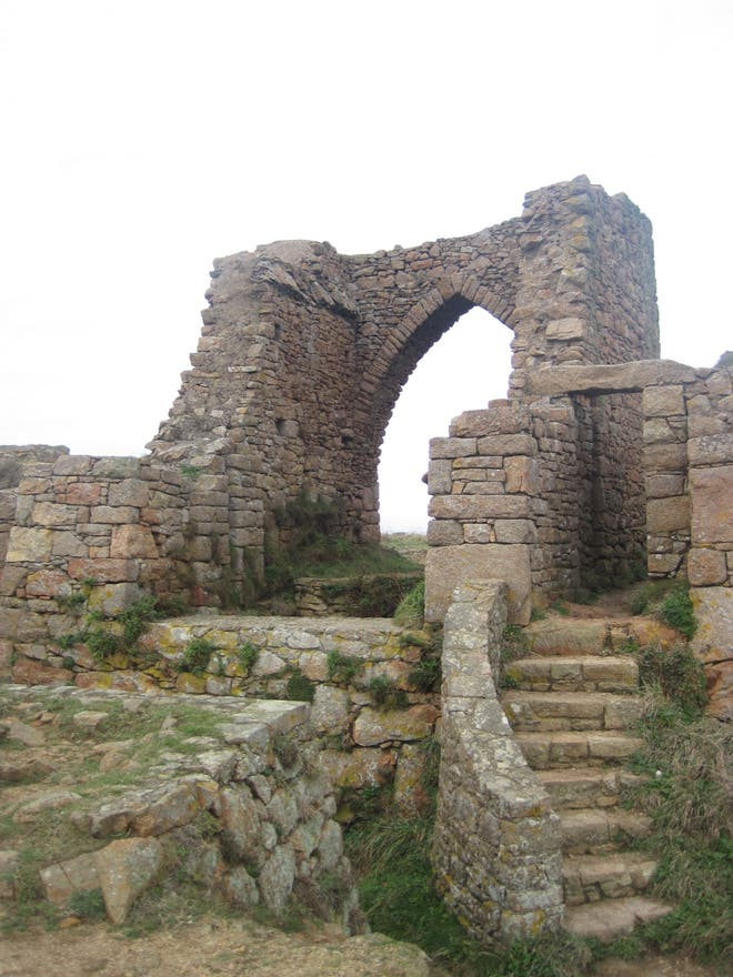 ruins in Saint Ouen