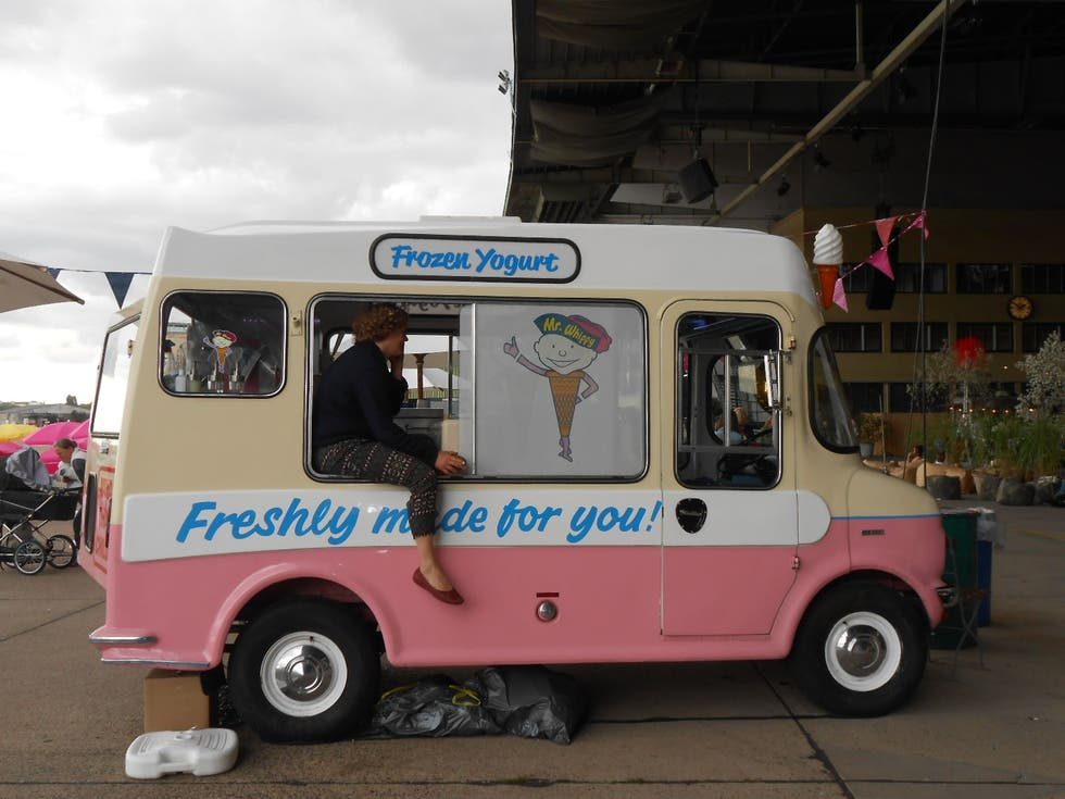 Motor en Mr. Whippy' Frozen Yogurt Truck