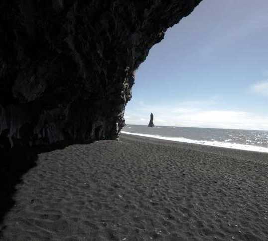 Blanco en Cueva de Reynisfjall