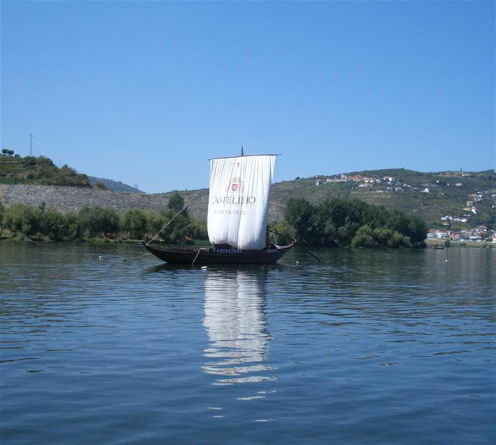 Barca en Crucero por el Duero
