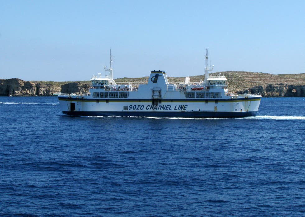 Ferry en Terminal de Ferries de Mgarr