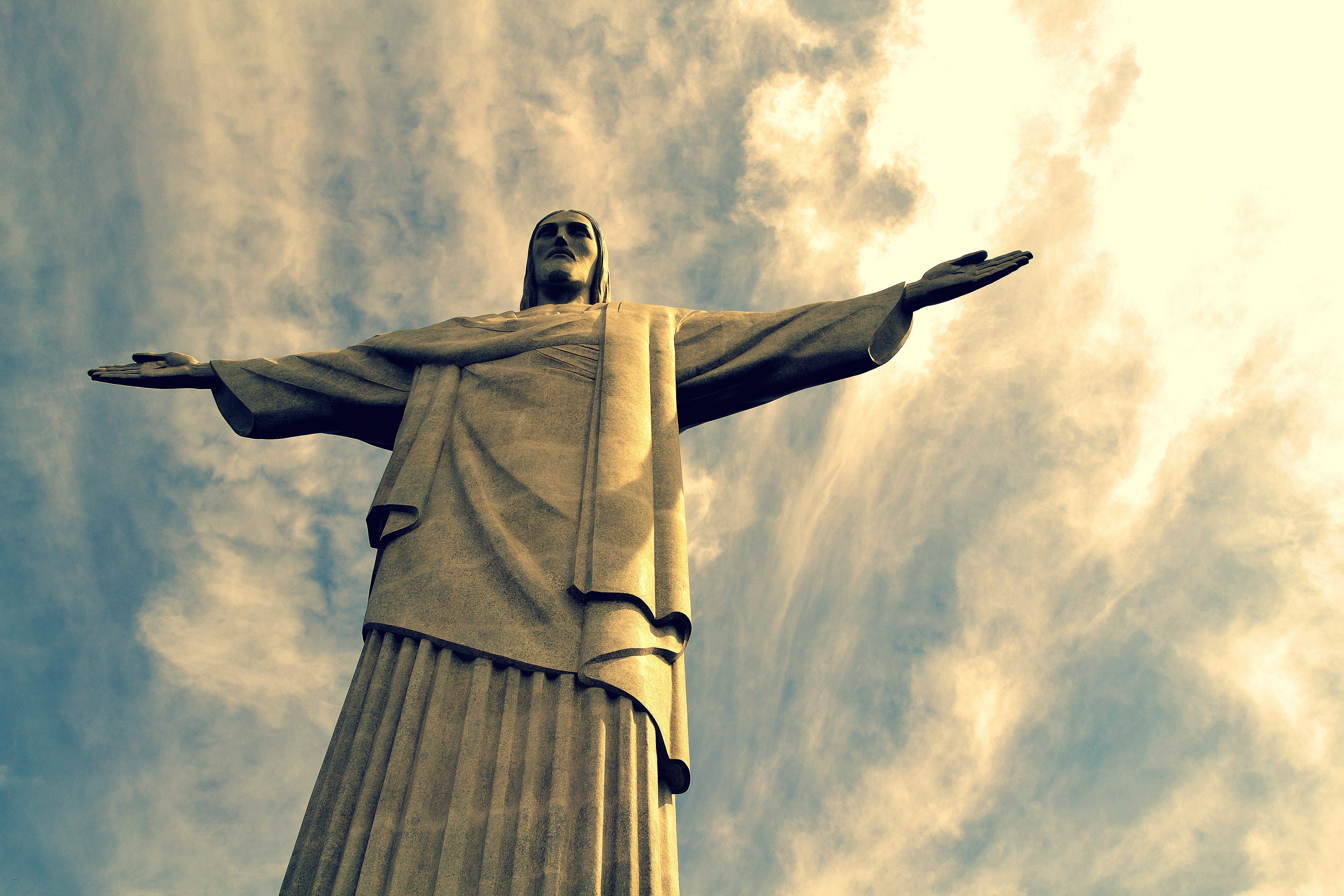 Fighter Aircraft in Christ the Redeemer