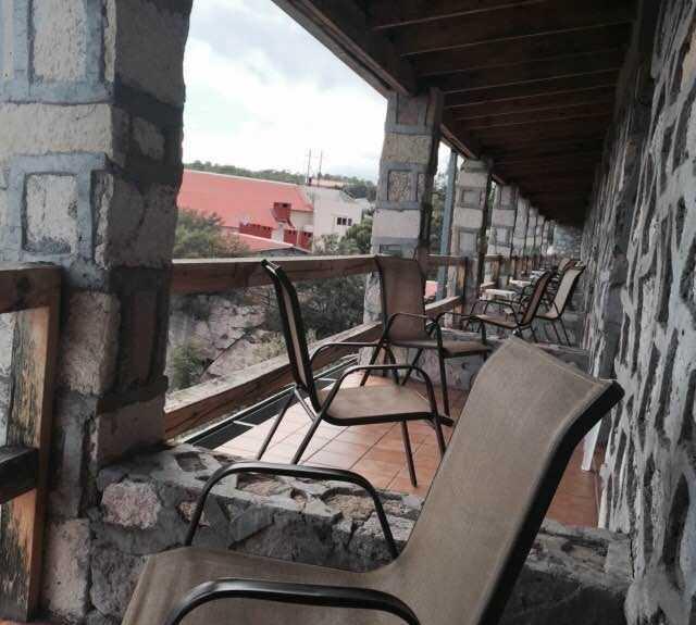 Vehículo en Hotel Divisadero Barrancas